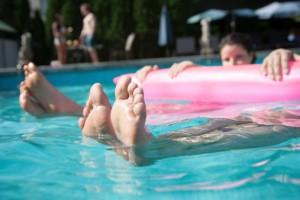 Feet_461762665 (2) (1)